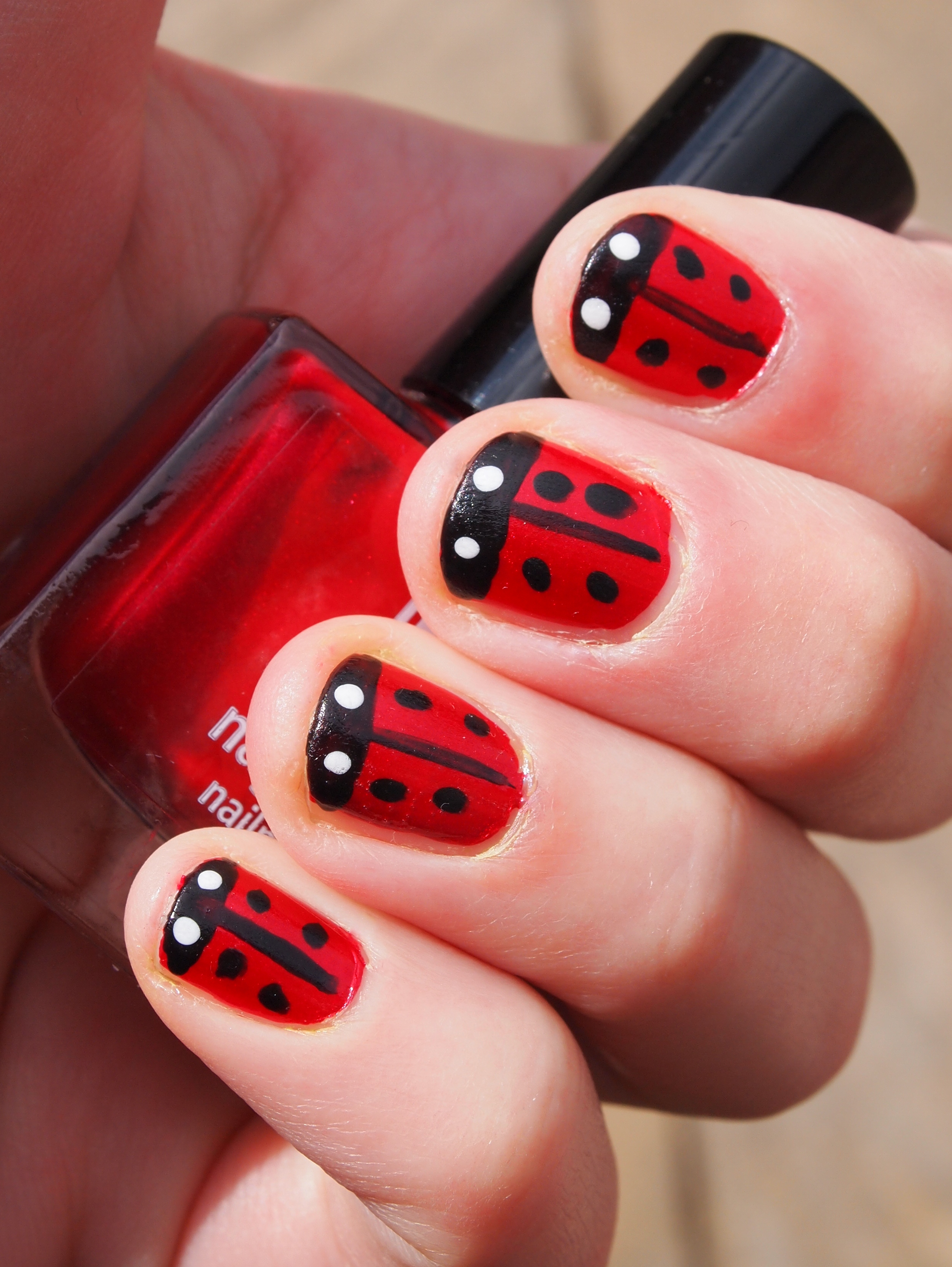 Cute black and red nail designs