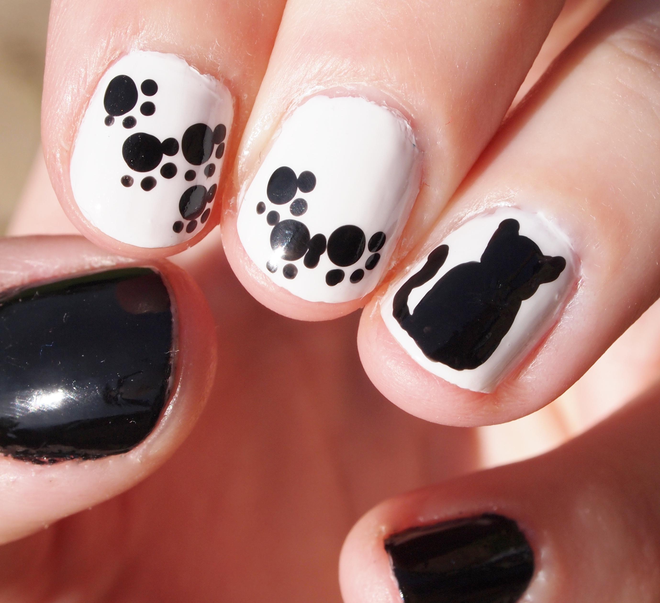 Bewitchery Nail Art Monochrome Cats